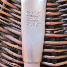 [REVIEW] Sữa rửa mặt chống lão hóa SHISEIDO BENEFIANCE Extra Creamy Cleansing Foam