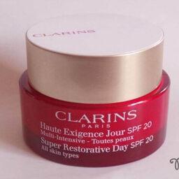Kem dưỡng Clarins trẻ hóa da Super Restorative Day Cream SPF 20, hãy tưởng tượng da bạn trở nên tươi trẻ!