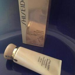 [Review] Kem dưỡng tay Shiseido Benefiance Protective Hand Revitalizer _ bí quyết giúp phụ nữ thêm tự tin và quyến rũ.