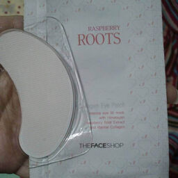 Mặt nạ mắt TheFaceShop RASPBERRY ROOTS COLLAGEN EYE PATCH