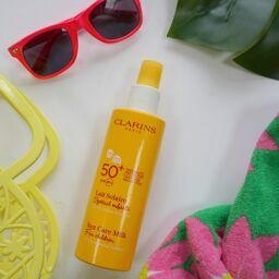 Kem Sữa chống nắng cho bé yêu Clarins Sun Care Milk For Children 100% Mineral Screen