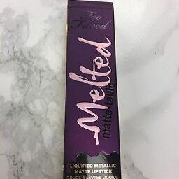 Sở hữu đôi môi gợi cảm cùng Too Faced Melted Matte-tallic