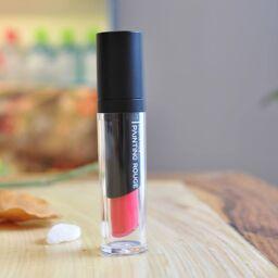 Agapan Painting Rouge – dòng son lì độc đáo có độ bám cao, màu lâu trôi giúp các bạn có thể thỏa thích tươi tắn cả ngày.